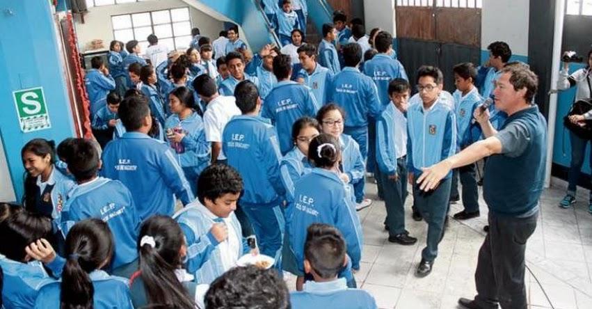 Más colegios se suman para no participar en desfiles por Fiestas Patrias en protesta de actos de corrupción en el país