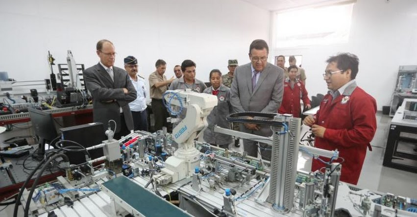 Instituto superior tecnológico de las FF.AA. tendrá 41 nuevas aulas, anunció el ministro de Defensa, José Huerta - MINDEF - www.mindef.gob.pe