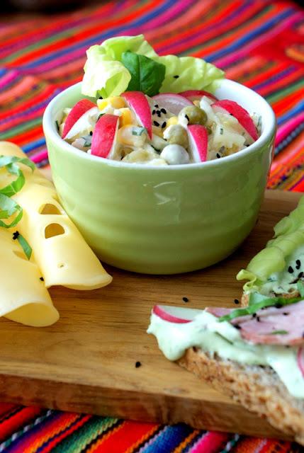 z kuchni do kuchni,Hańderek,wędliny,deska smaku,sałatka z selera i ananasa,jak zrobić sałatkę z selera, prosty przepis na sałatkę do grilla,sałatka