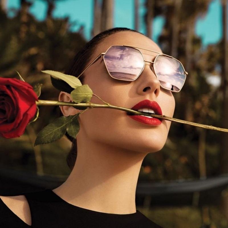 Ultra Tendencias: Gal Gadot protagoniza la campaña Eyewear de Erocca