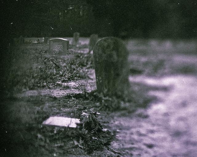 hantu penasaran yang membalas dendam