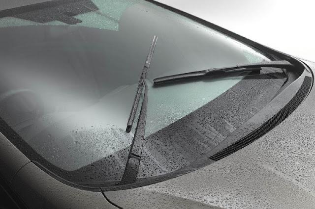Cara Mudah Mengganti Wiper Mobil Anda