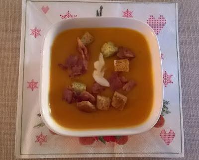 σούπα με κίτρινη κολοκύθα