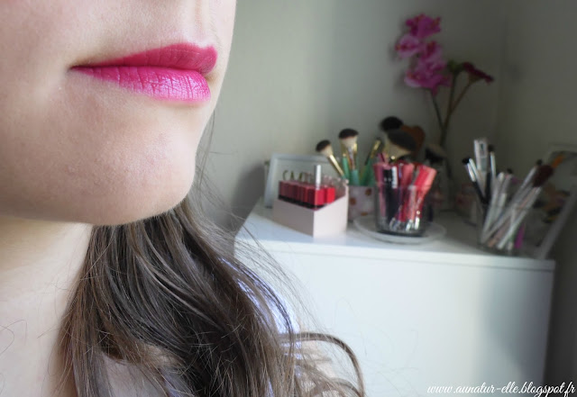 swatch melted berry - too faced