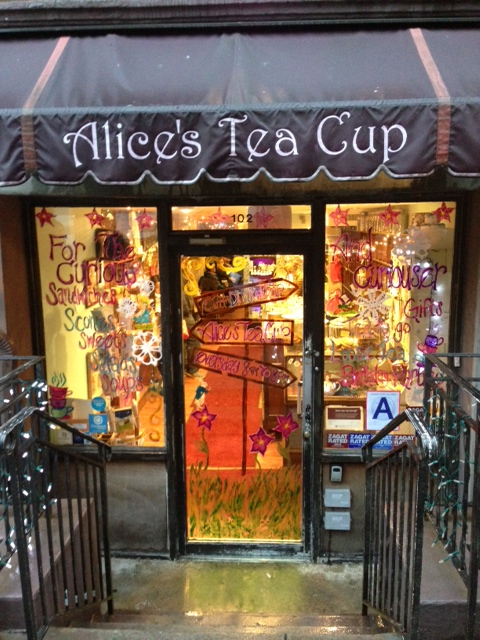 relevant tea leaf alice 39 s tea cup in nyc. Black Bedroom Furniture Sets. Home Design Ideas