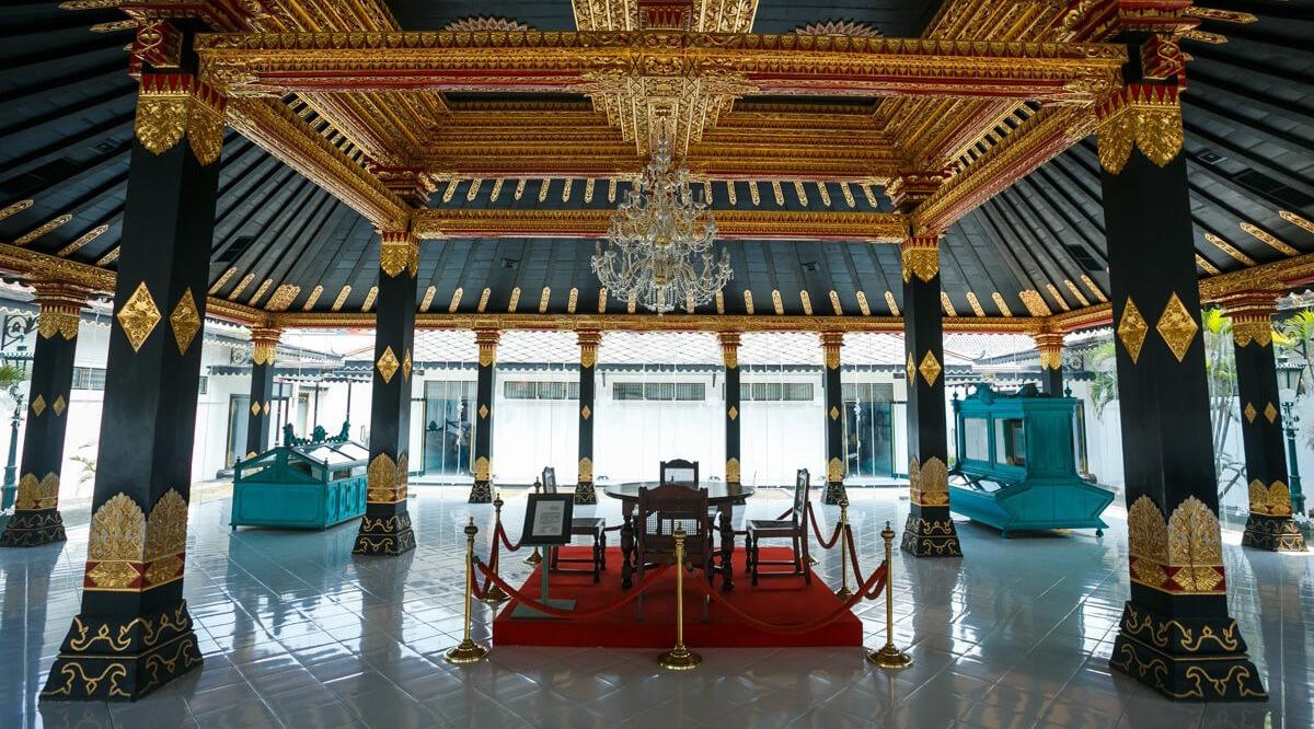 makalah sejarah keraton yogyakarta