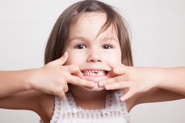 أهم الوصفات الطبيعية لعلاج ألم الأسنان عند الأطفال