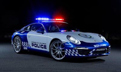 Ladrões apanhando da policia