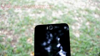 Letak Kamera Depan ASUS Zenfone Selfie