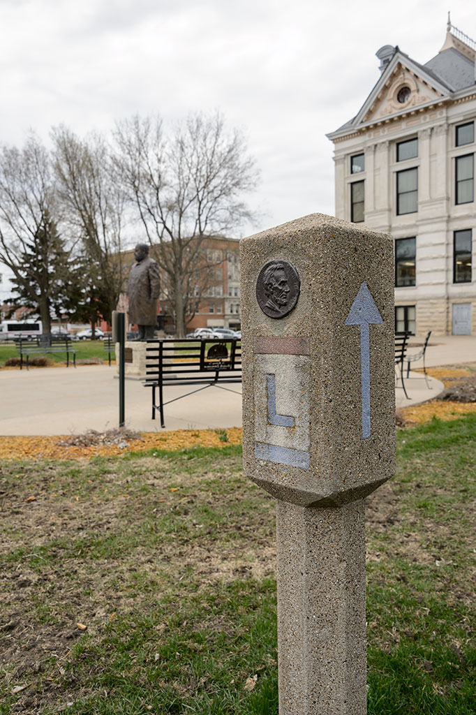 Lincoln Highway Marker in Marshalltown, IA