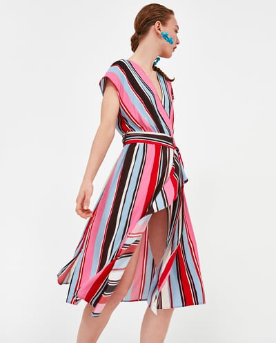 Vestido cruzado estampado de Zara