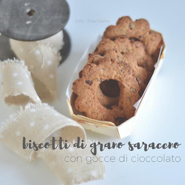 biscotti di grano saraceno e gocce di cioccolato