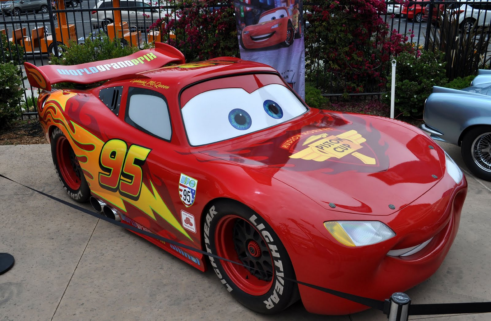 just a car guy new lightning mcqueen vs the old one that toured a couple years ago. Black Bedroom Furniture Sets. Home Design Ideas