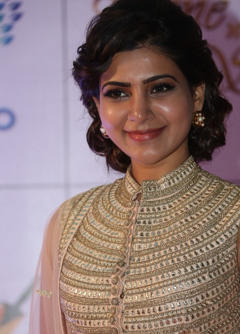 Samantha Stills At Memu Saitham In White Dress