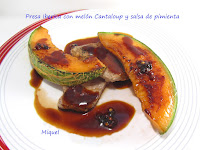 Presa de cerdo Ibérica con melón Cantaloup y salsa de pimienta