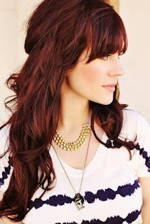auburn hairstyle with bangs