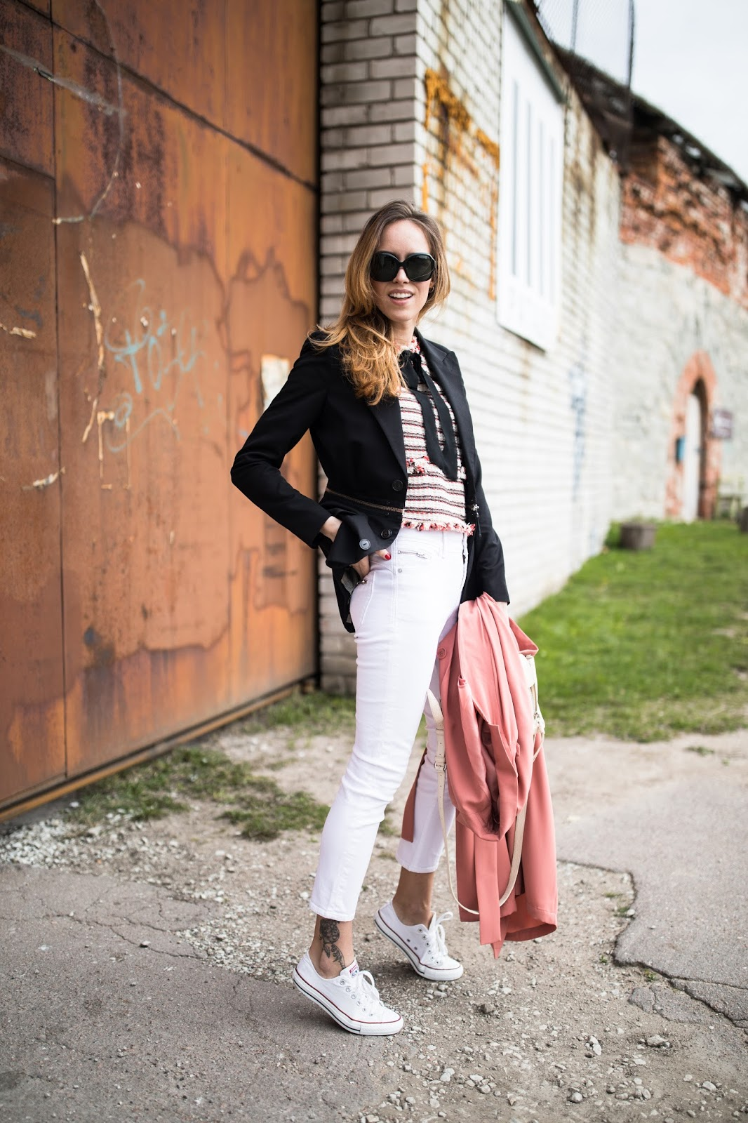white jeans spring outfit
