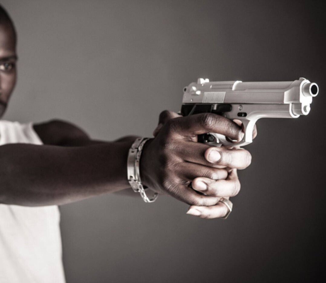 #MURDER? Unidentified man was shot & killed in his home after being attacked by 6 armed blacks in President Park