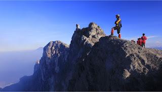 MOUNT MERAPI AND MERBABU TREKKING TOURS