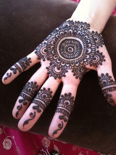Hand Mehndi