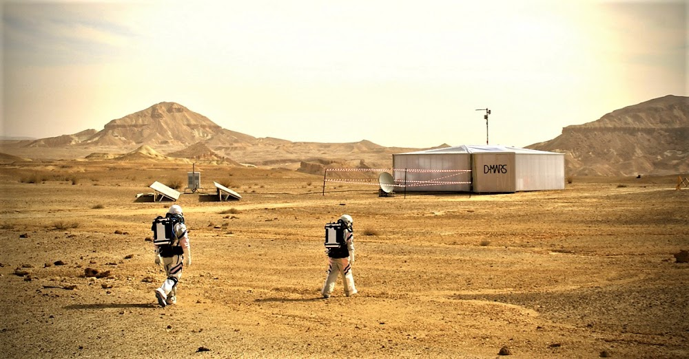 Astronauts returning to D-Mars mission habitat in southern Israel