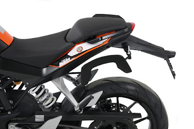 New 2016 KTM Duke 125 seat image