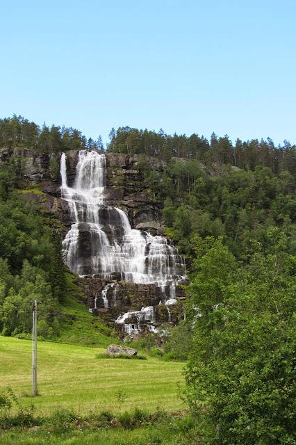 Noorwegen waterval bij Voss