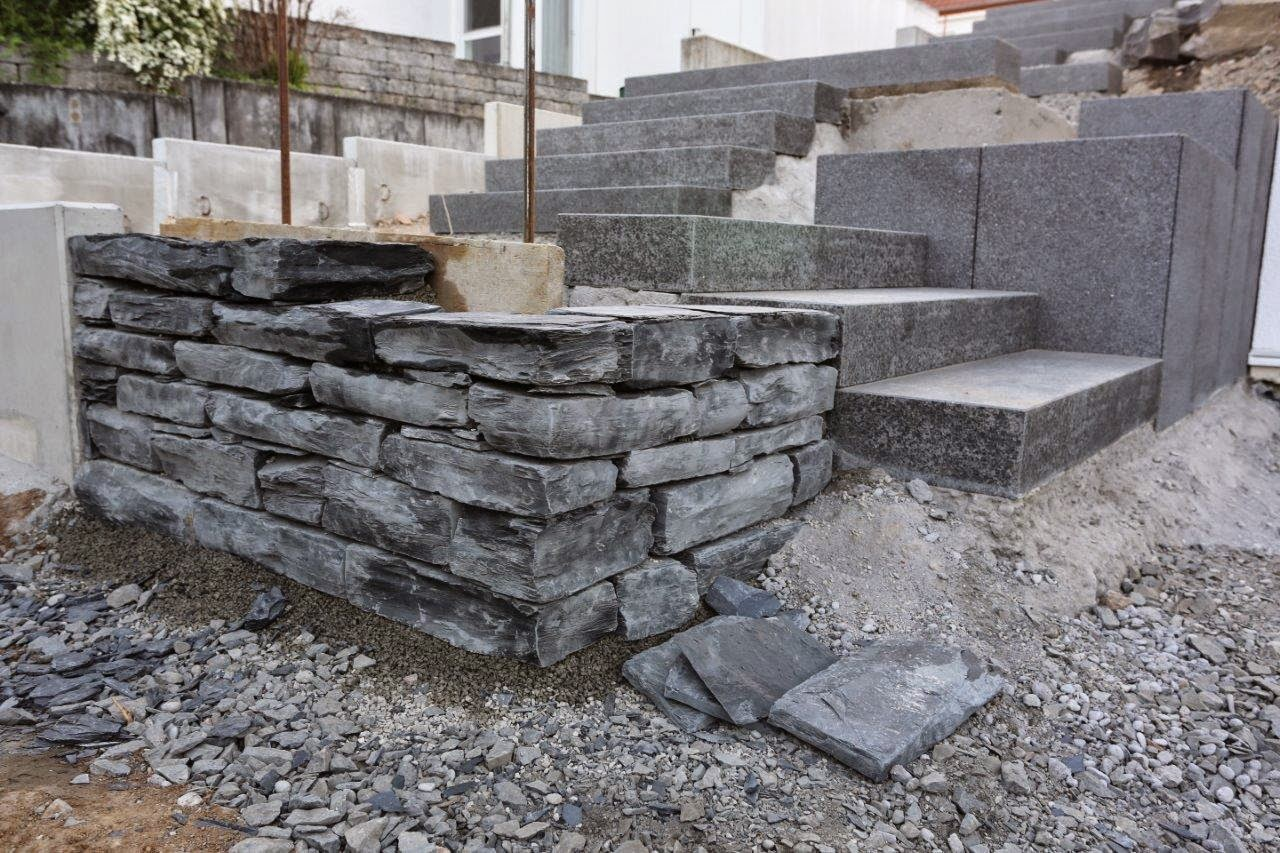 l steine kosten l steine setzen anleitung und tipps l steine schwarz anthrazit 80 40 40 cm 1. Black Bedroom Furniture Sets. Home Design Ideas