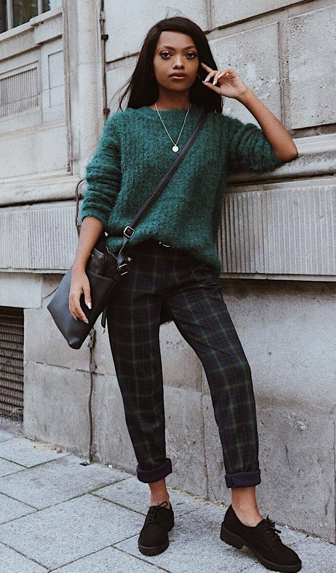 comfy outfit for this winter : green knit sweater + bag + plaid pants + loafers
