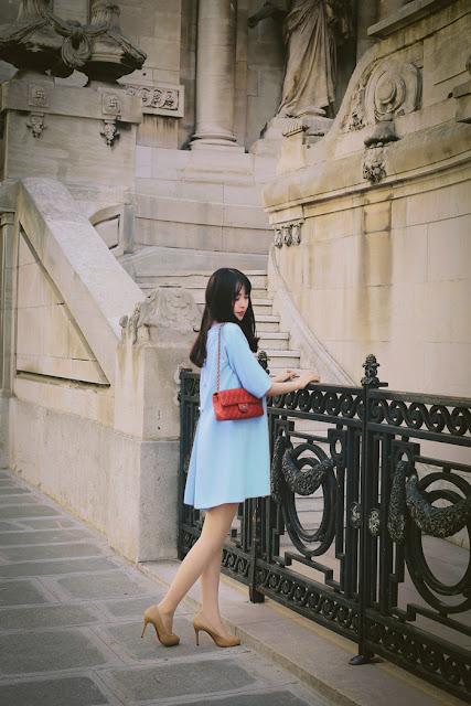 Đầm suông màu xanh phối nơ lưng tuyệt đẹp cho mẹ bầu đi chơi
