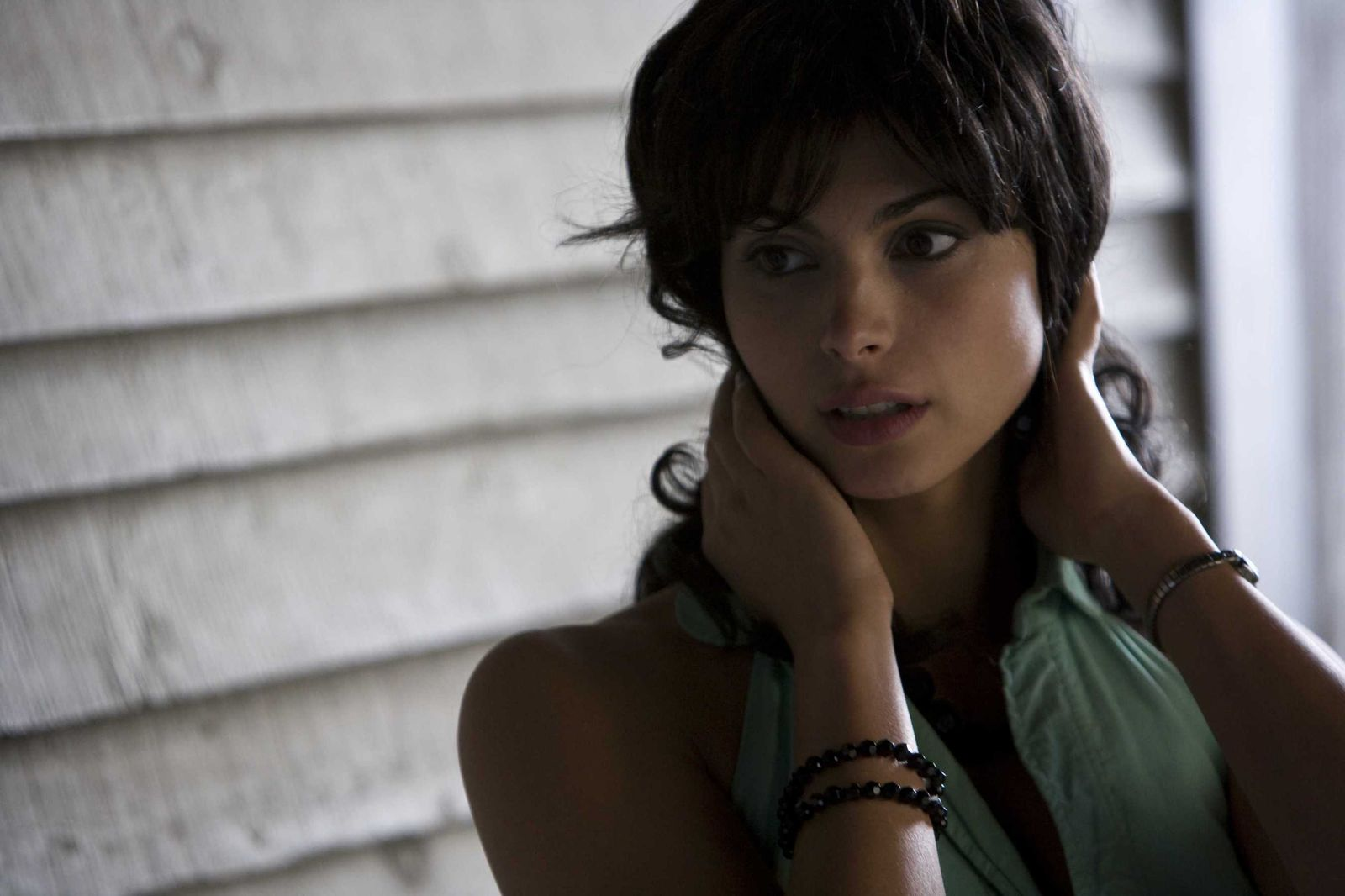 Hollywood Celebrities: Morena Baccarin Photos