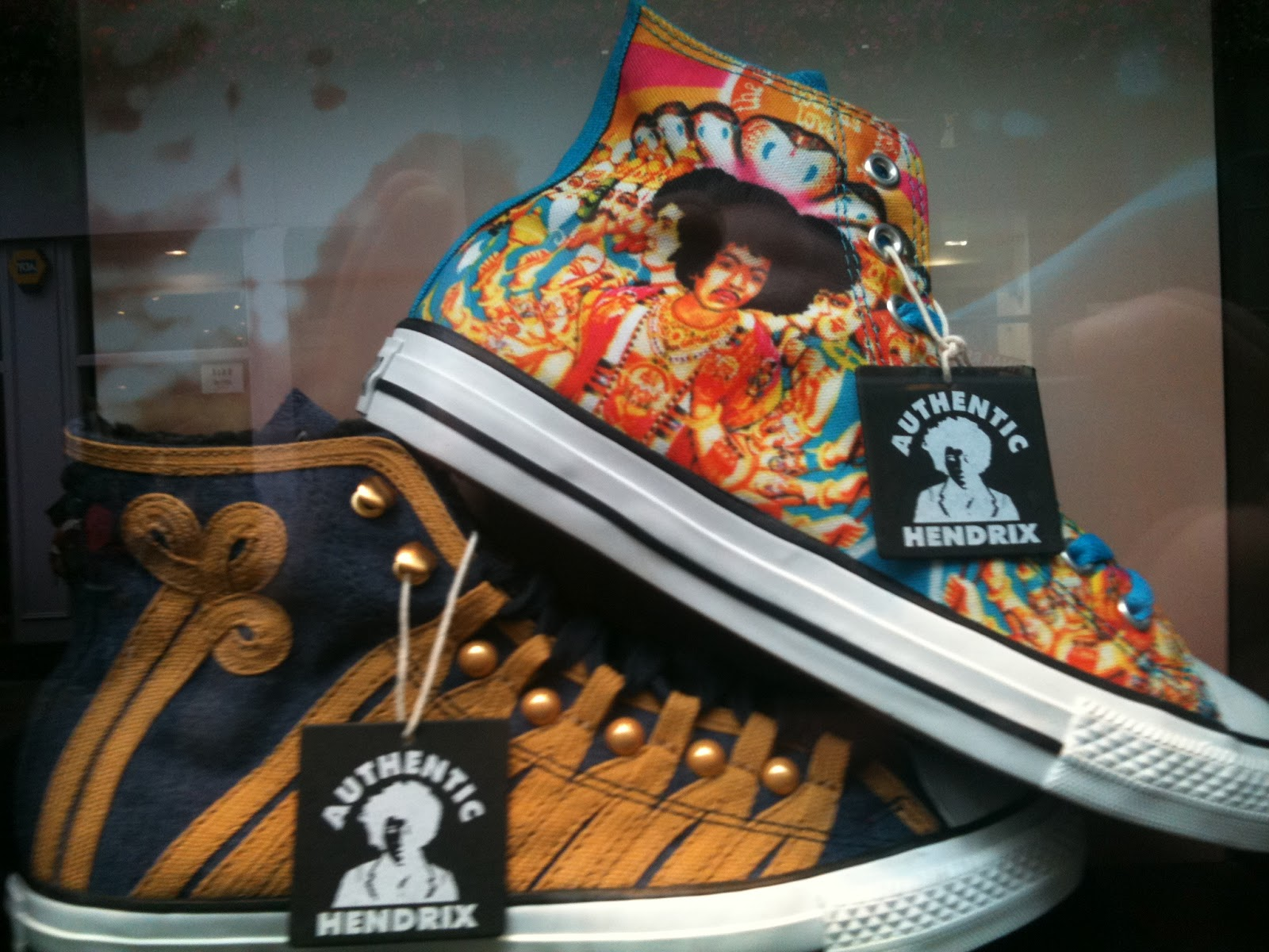 cheap for discount 51eb4 287af JIMI HENDRIX CONVERSE IN THE WILD