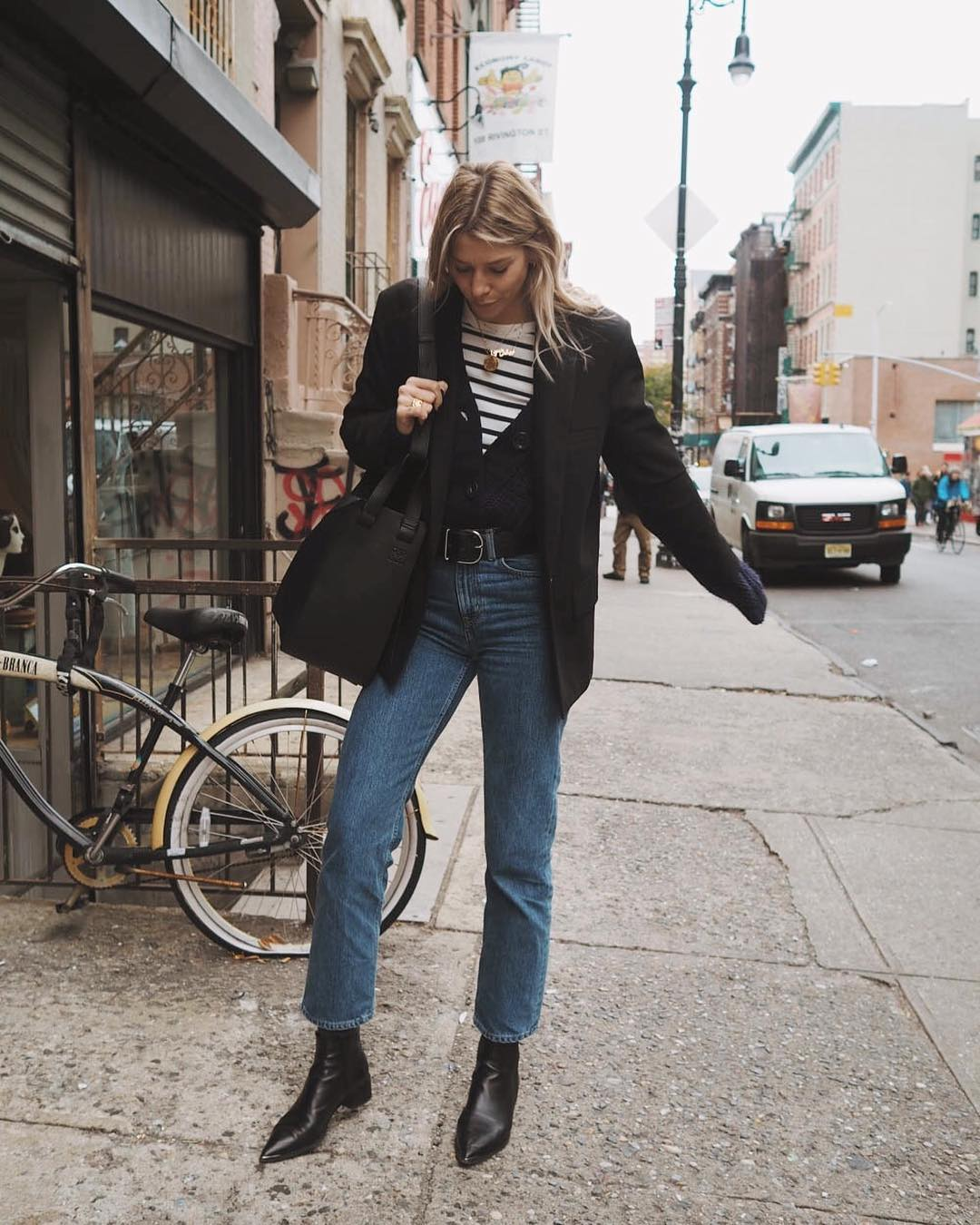 How to Master a Layered Fall Look Like a British Girl — Lindsey holland Instagram Style