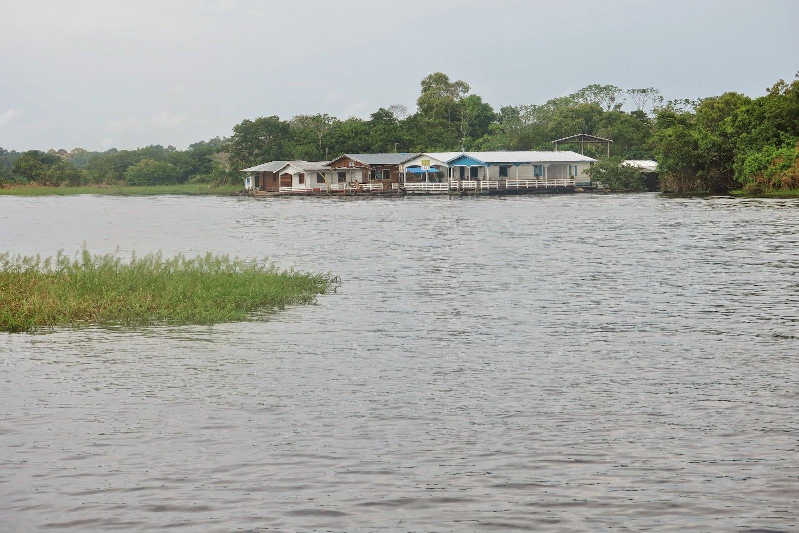 Comunidades ribeirinhas, no Rio Amazonas, em Manaus