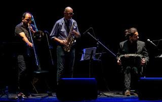 Jazz del Sur Ensamble brilló en el Teatro Municipal de Quilmes en Buenos Aires - Argentina / stereojazz