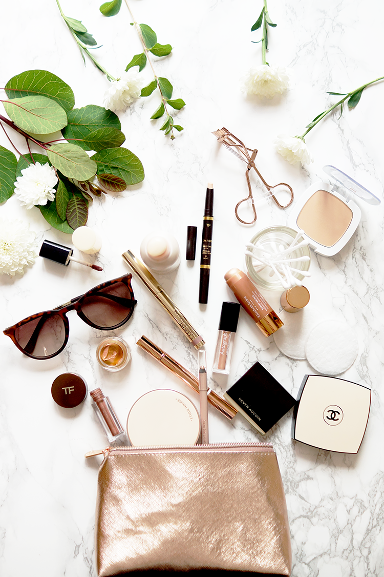 rose-gold-beauty-flatlay-travel-makeup