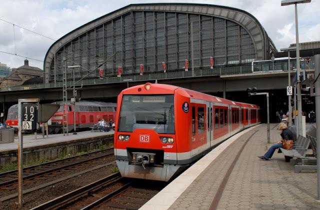 Trens do aeroporto até o centro de Hamburgo