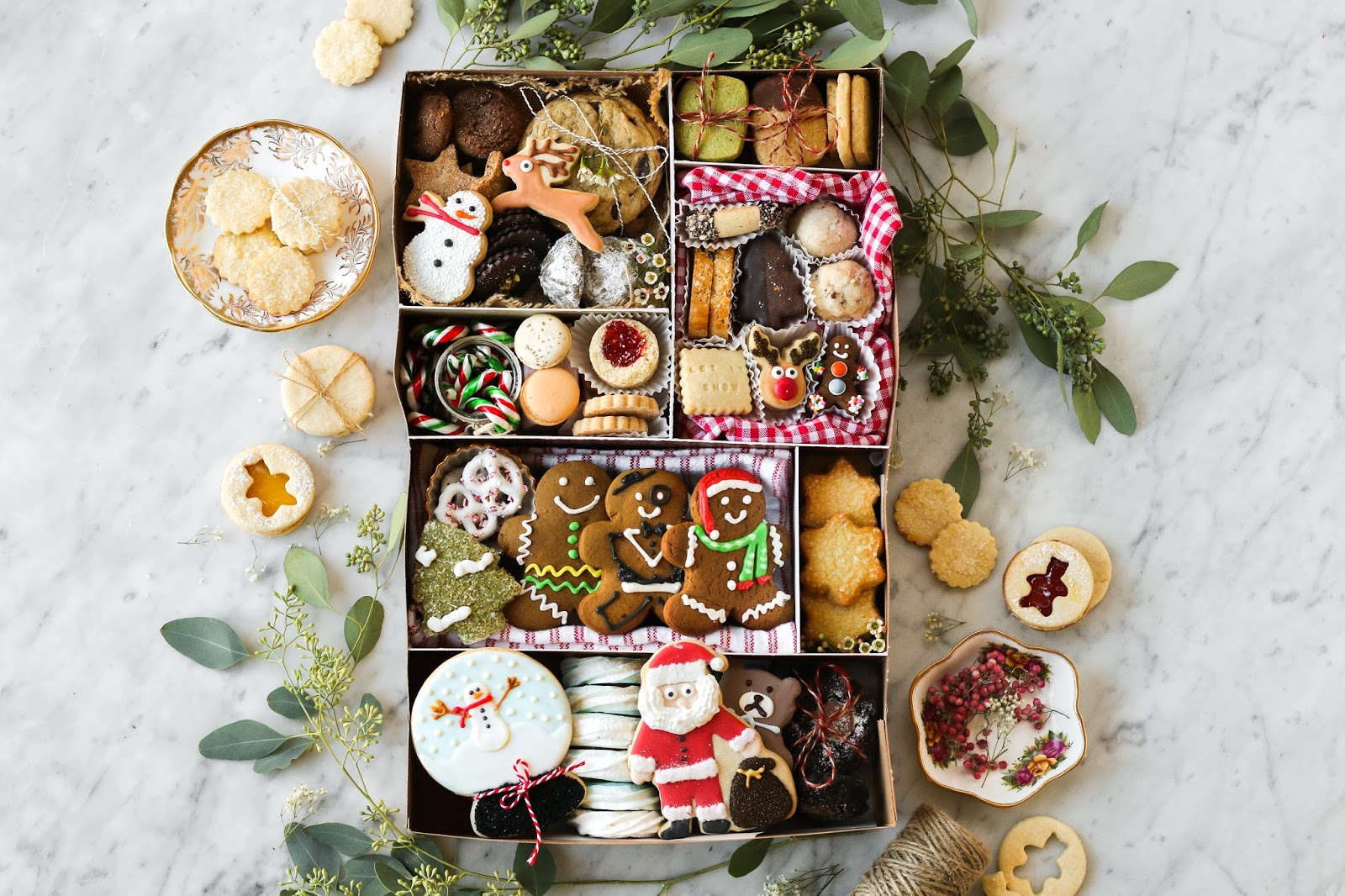 Christmas Cookies Box.Cookie Boxes 101 A Guide To Christmas Cookies In Vancouver