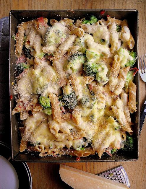 Zapiekanka z brokułem i szynką / Broccoli and Ham Pasta Bake