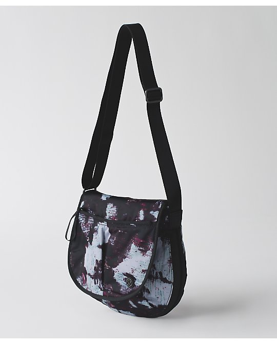 lululemon  essentials-bag