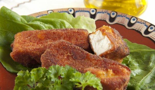 Sírene pané queso búlgaro rebozado