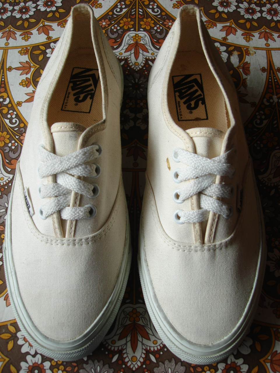 0933bce869 vintage vans style  44 authentic white canvas   foxing made in usa circa  1993 new (without box) USw9 US7N UK6.5N
