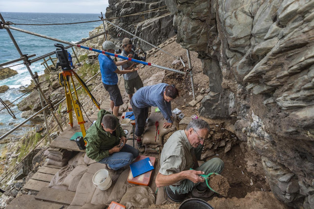 Cultural flexibility was key for early humans to survive extreme dry periods in southern Africa