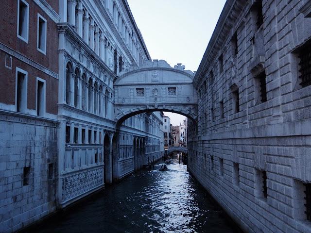 Most nářků/vzdechů, Benátky v noci, Venezia at night