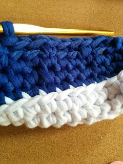 細編み-細編み-メリヤス細編みを繰り返し編んでいく