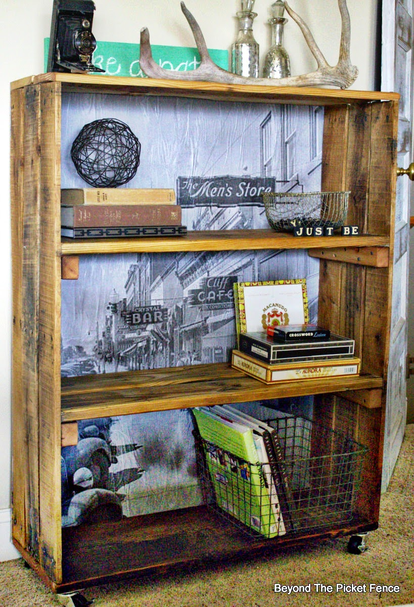 rustic, industrial, shelf, crate, pallet wood, reclaimed, loft style, beyond the picket fence, http://bec4-beyondthepicketfence.blogspot.com/2015/04/rustic-industrial-bookshelf.html