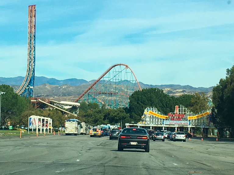 1 Hour Drive North To Get To Six Flags Magic Mountain The Park Opens At 1030am Today We Pulled Up To The Parking Lot At 940am And Got In A Queue