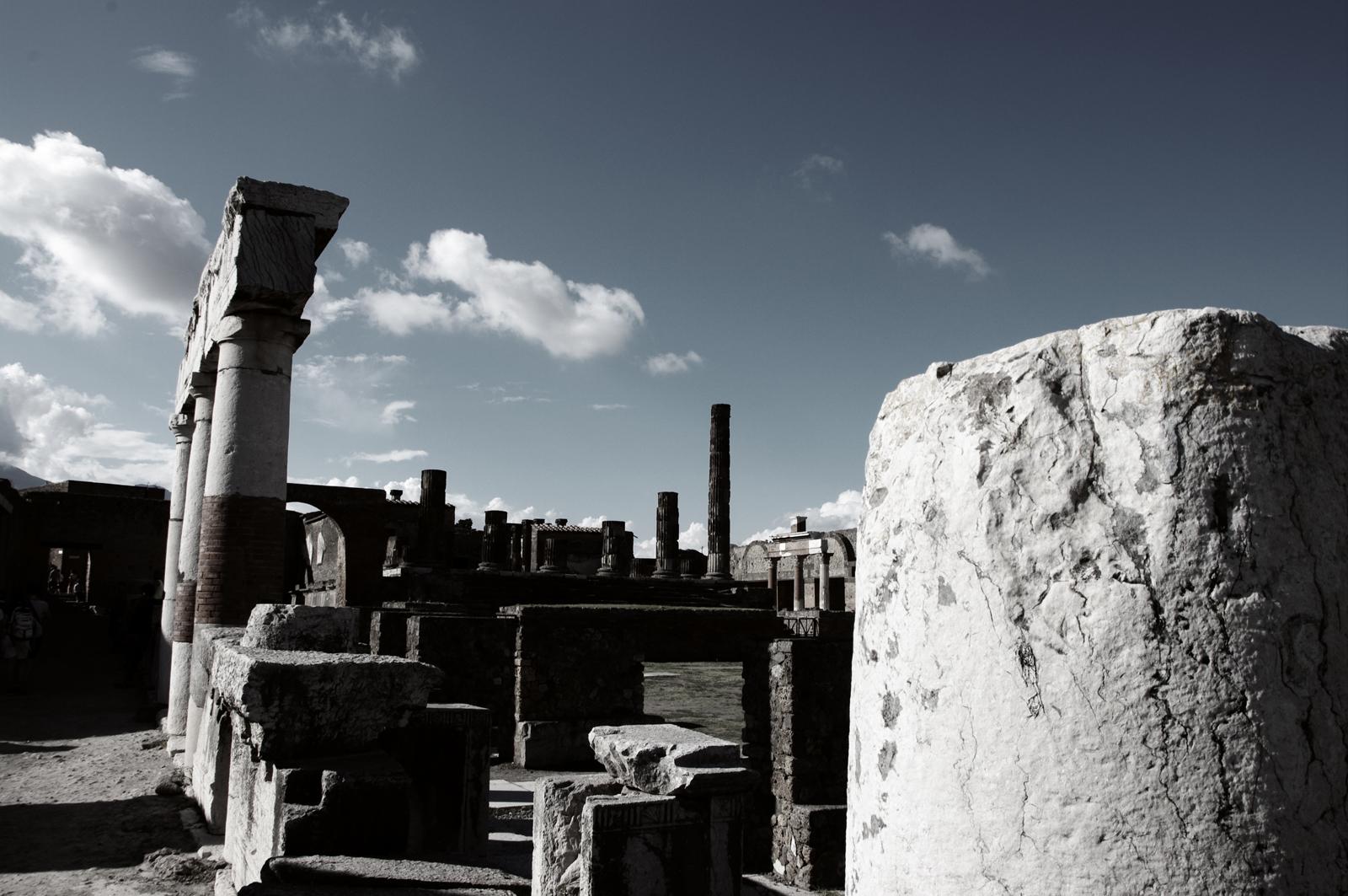 Pompeii AD 2014