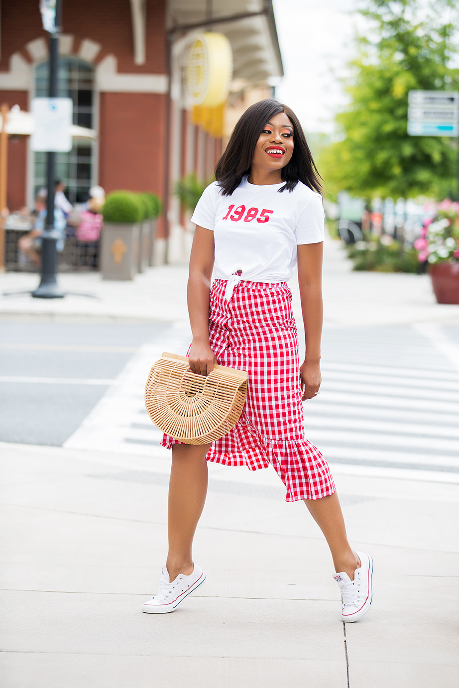 gingham ruffle skirt and graphic tee, www.jadore-fashion.com