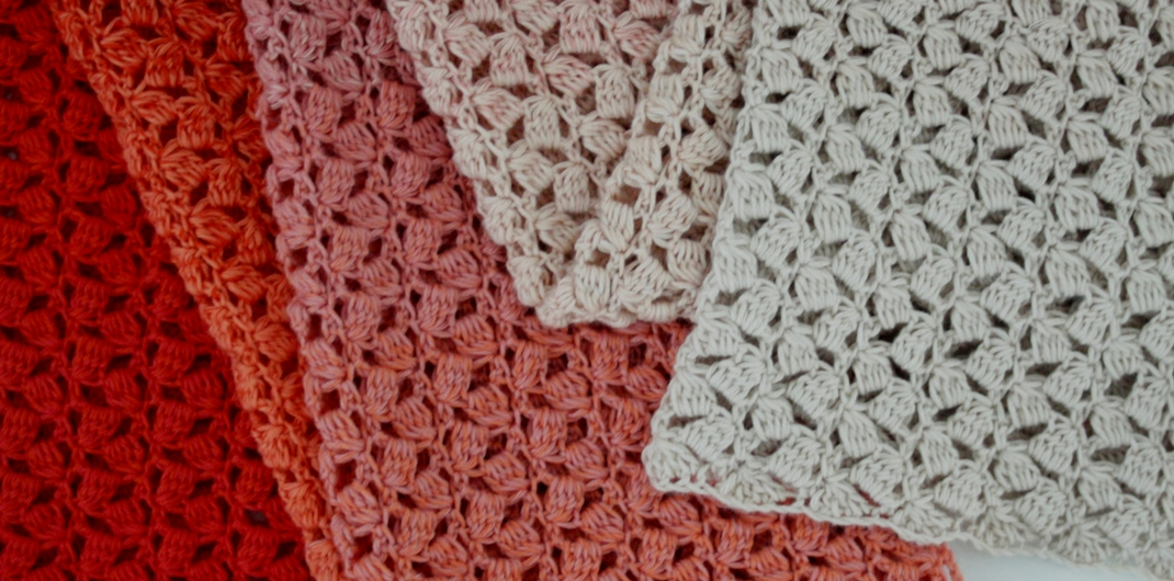 Scheepjes Whirl crochet pattern: The Little Meringue Shawl | Happy in Red